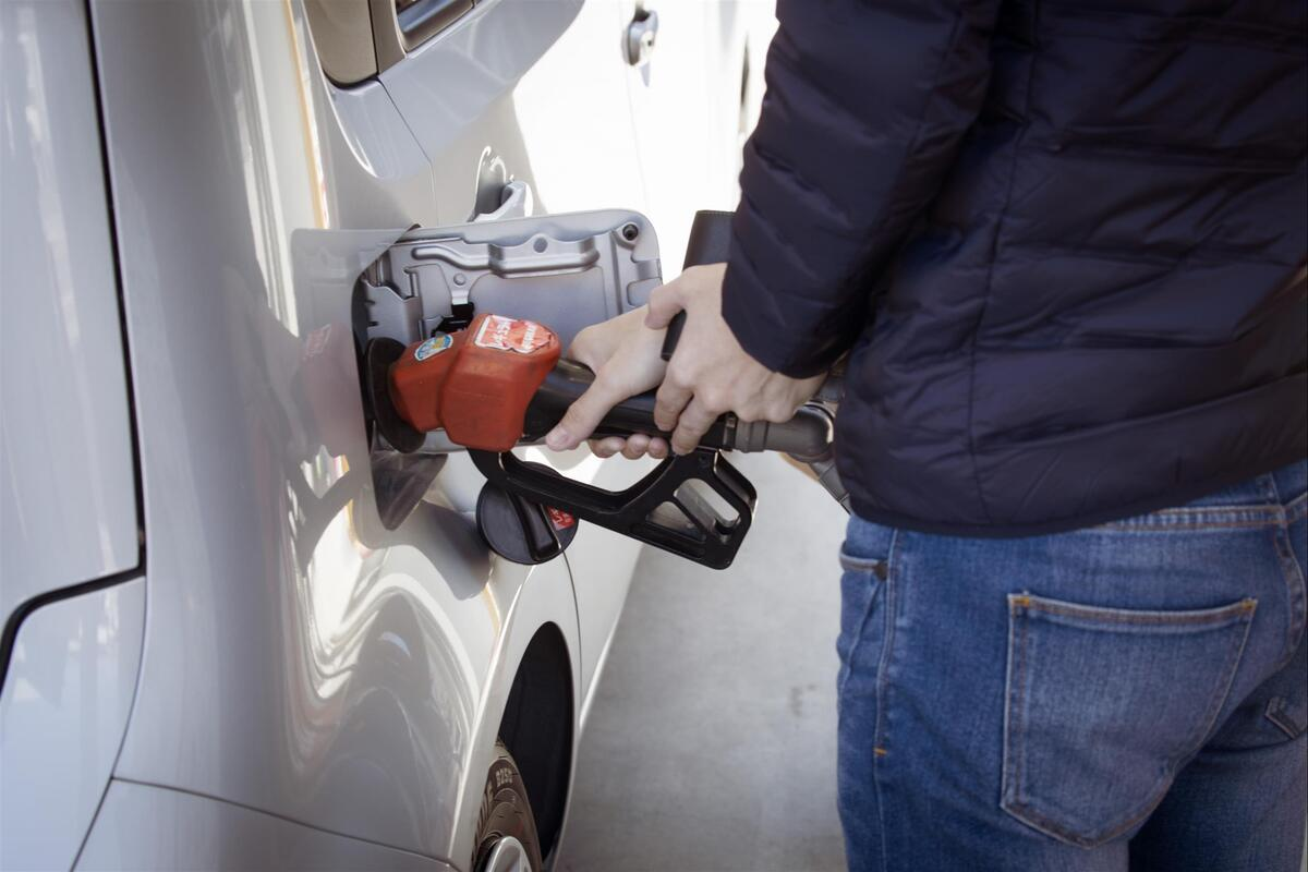 man-filling-up-gas-in-car.jpg